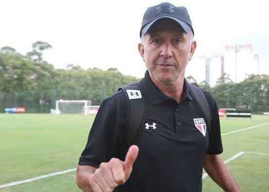 Carlos-Osorio-Paulo-Reginaldo-Castro_LANIMA20150604_0187_38
