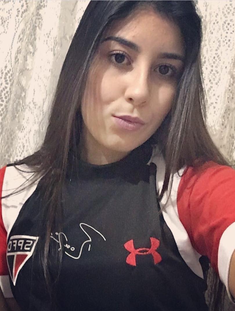 @laarodriguees 1 Larissa Rodrigues